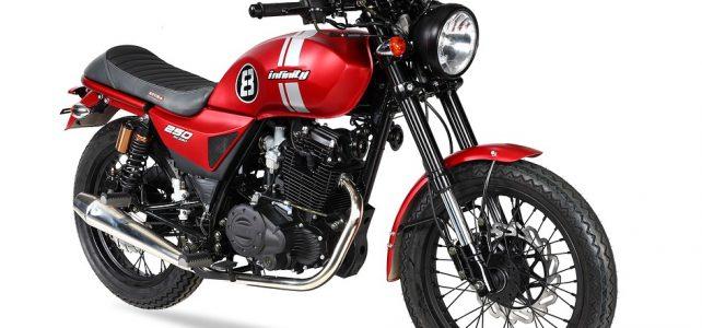 Découvrir les routes de France à moto